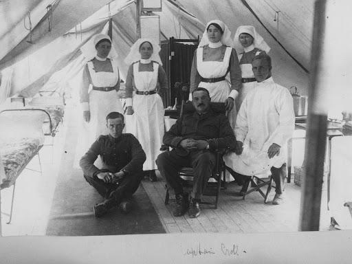 Nursing Sister WW1 Photo Album: 31V Captain Croll