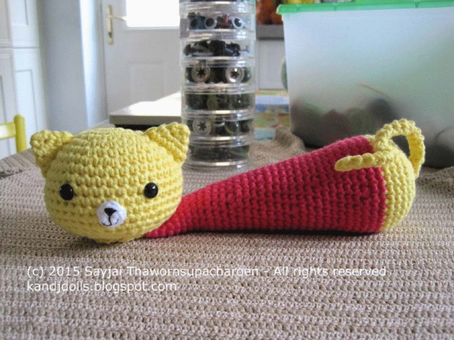 Amigurumi Maneki Neko Free Pattern : Yellow Cat - Wrist Rest - Sayjai Amigurumi Crochet ...