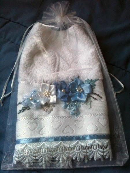 bordado em fita, bordado flor em fita