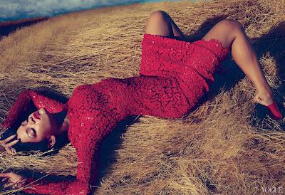 [Crítica] Rihanna - Unapologetic. Alejémonos de Wonderland