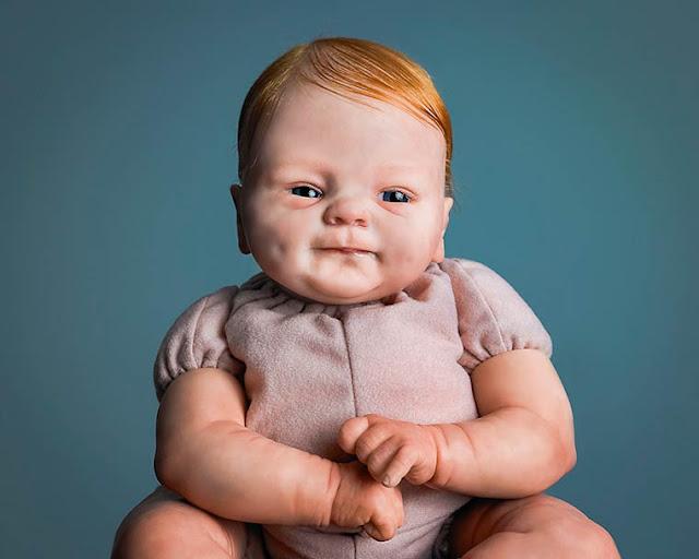O fascinante mundo dos bonecos de bebês hiper realistas