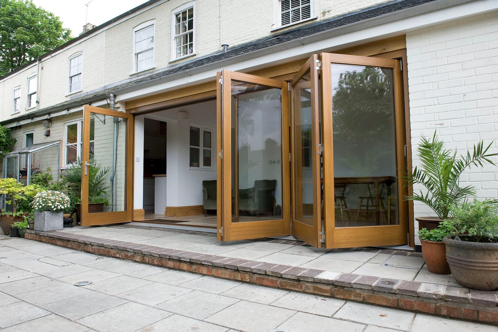 Tuesday 22 September 2009 & News from Broadland Windows