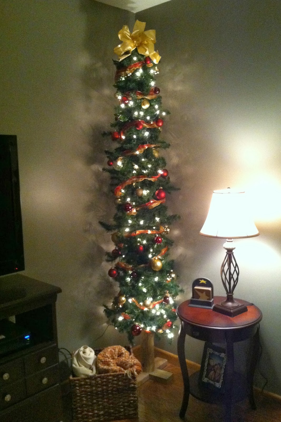 diy why spend more make your own skinny christmas tree - Skinny Christmas Tree Decorating Ideas