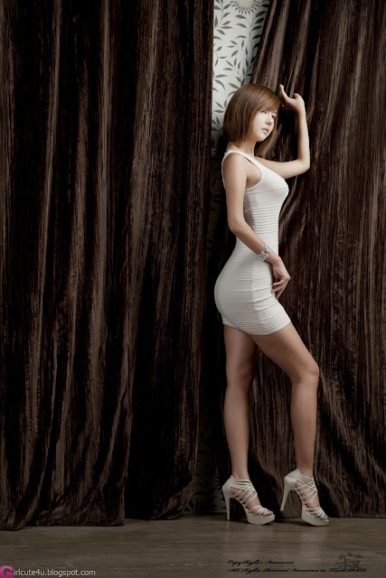 4 Ryu Ji Hye in White -Very cute asian girl - girlcute4u.blogspot.com