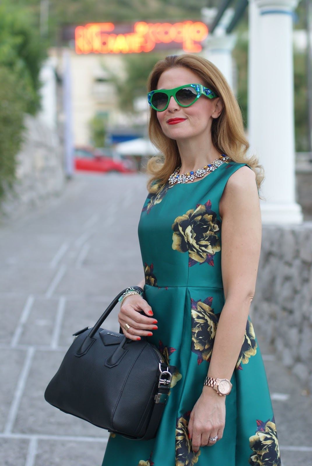 Romantic date dress, Choies green midi dress and Prada Voice sunglasses found on Giarre on Fashion and Cookies fashion blog, fashion blogger style