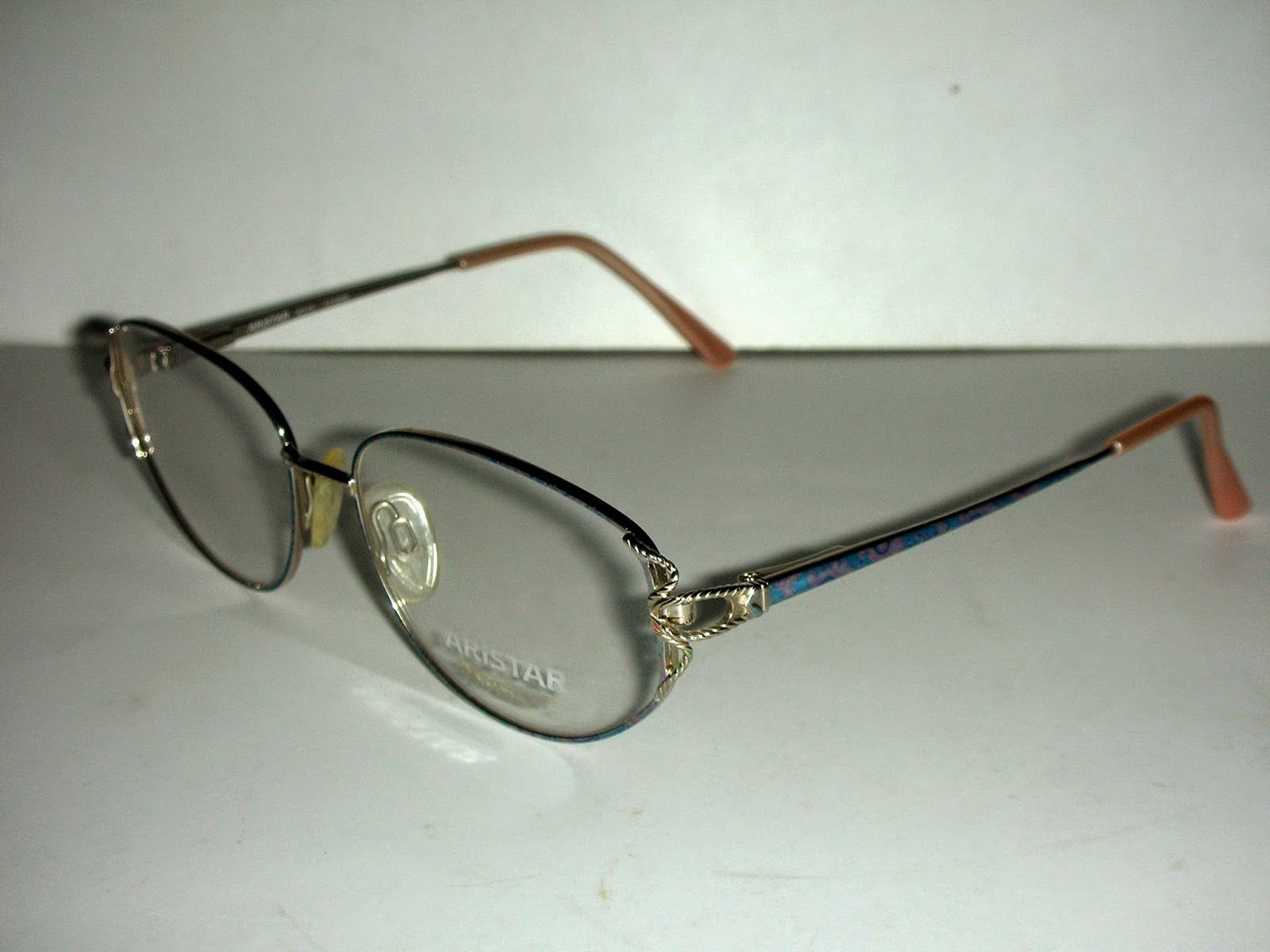 HOT COUTURE VINTAGE EYEWEAR