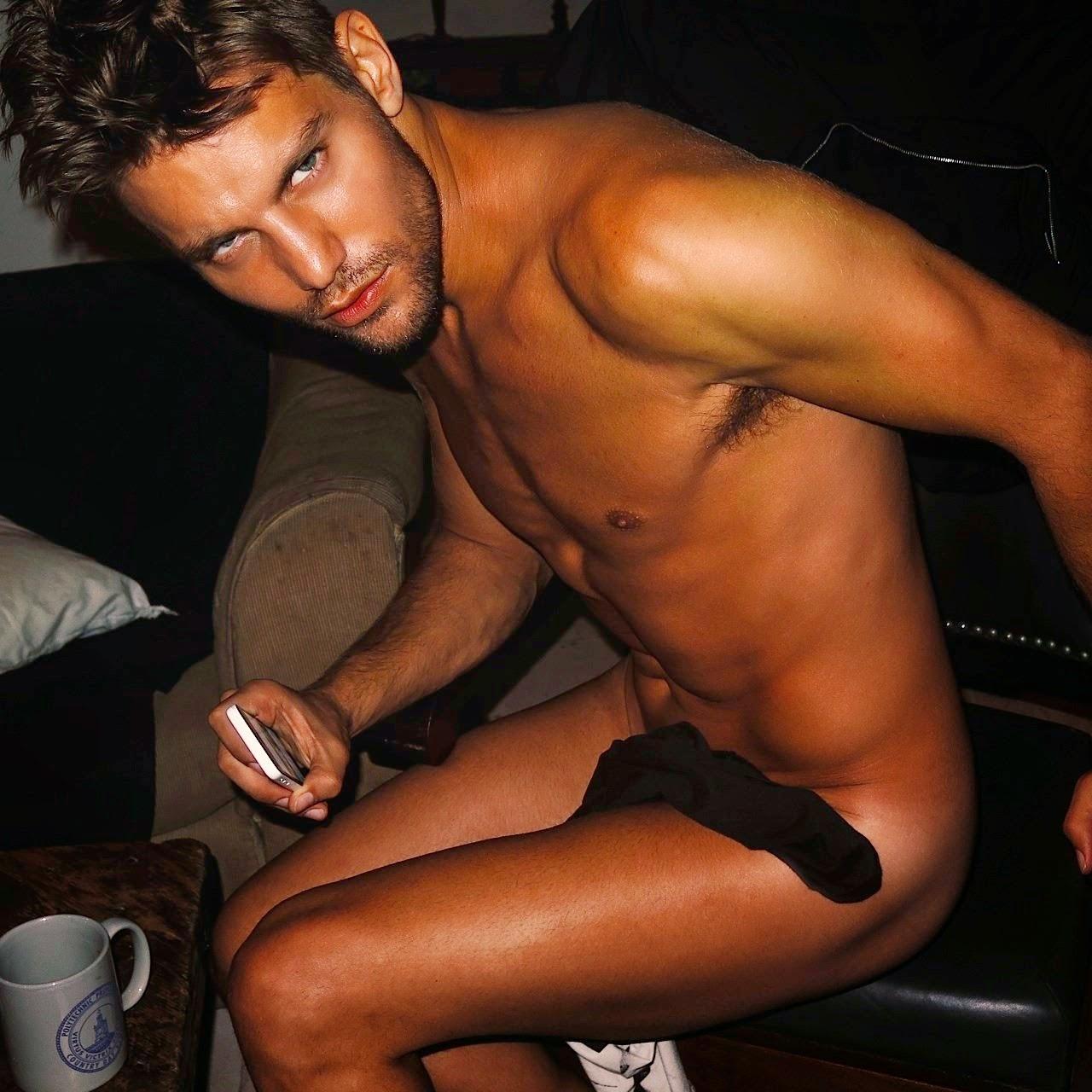 don+hood+nudo