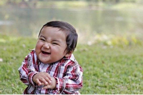 Resultado de imagen para niño burlon