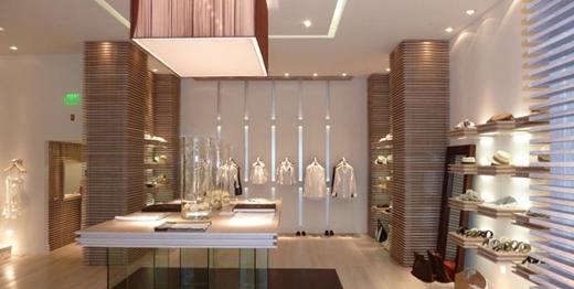 Cách trình bày shop thời trang đẹp