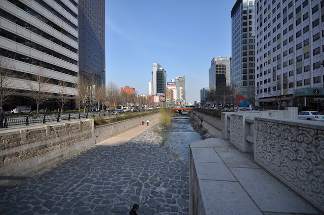 Cheonggycheon stream