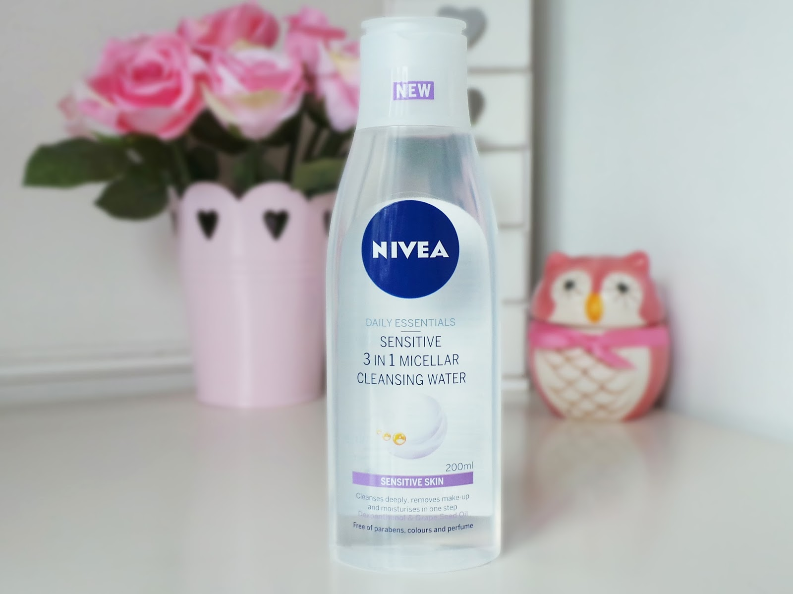 nivea micellar water review, nivea sensitive micellar water review, nivea skincare review, nivea for sensitive skin review, best micellar waters, micellar waters review, bbloggers, beauty blog, skincare blog, skincare reviews, best cleanser, best makeup remover, easy makeup remover, make up remover for sensitive skin