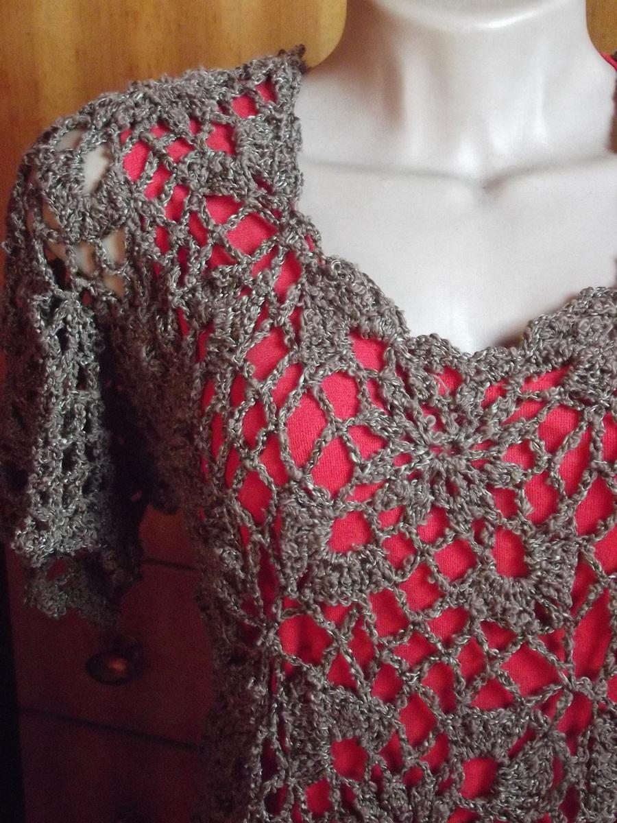 Blusa em crochê verão