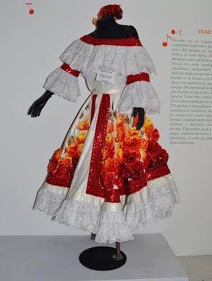 trajes-tipicos-de-la-mujer
