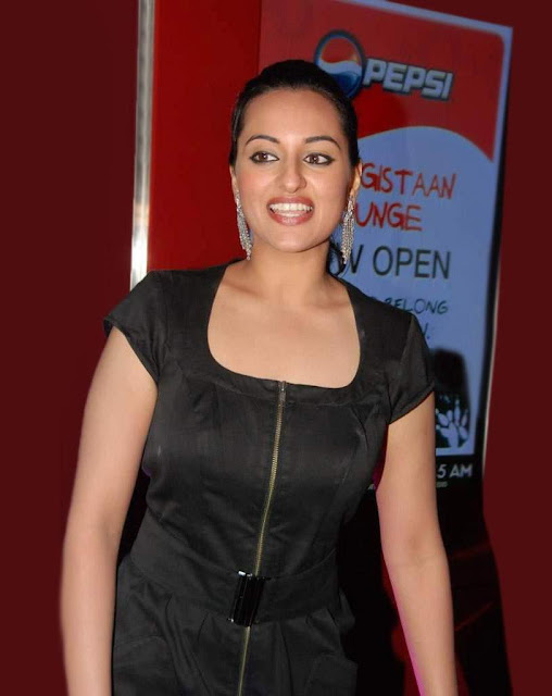 Sonakshi Sinha Hot HD Photo