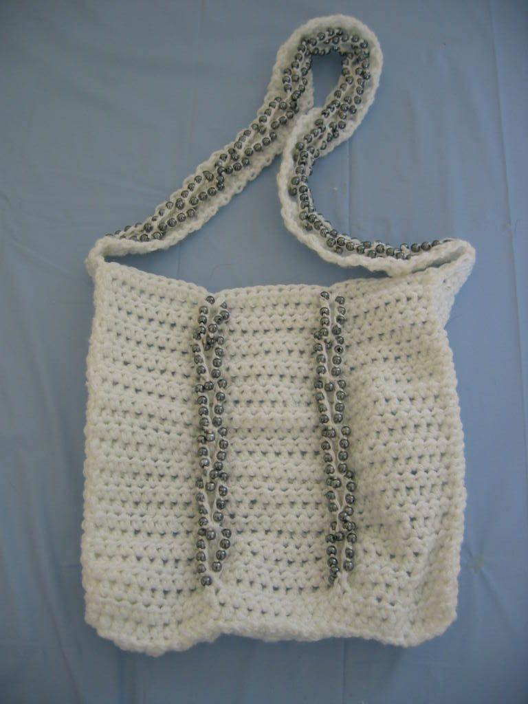 Crochet Beaded Purse Pattern : ... Designs Blog of Free Patterns: Free Crochet Pattern Gray V Loop Purse