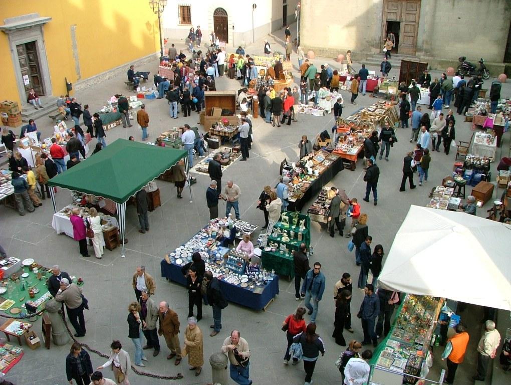 Io amo firenze mercatini dell 39 antiquariato e artigianato for Mercatini toscana