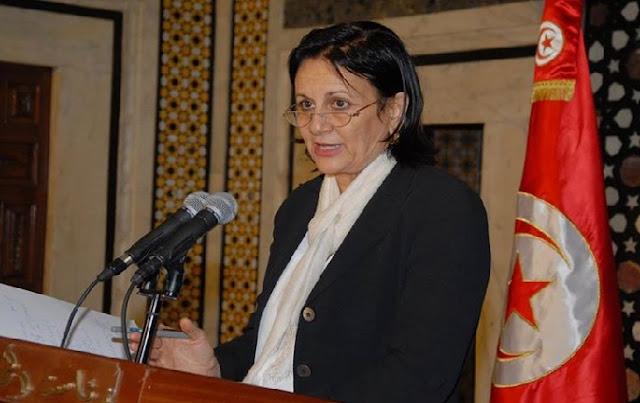 La ministre de la Culture, victime de son équipe de com et de Google Translate