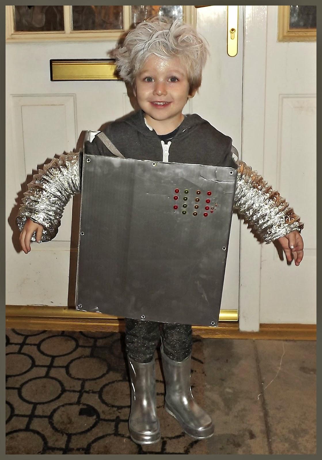 Robot Costume  sc 1 st  Transatlantic Blonde & Transatlantic Blonde: What I Wore Wednesday: Homemade Robot Costume