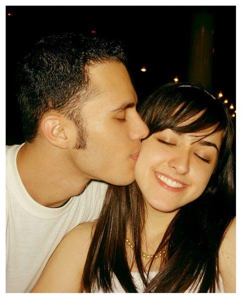 Fotos Fake De Casal Se Beijando