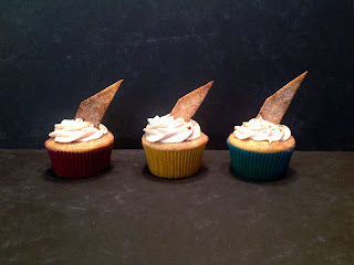 cinnamon cupcakes filled with dulce de leche