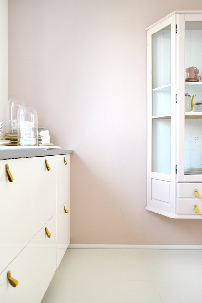 Kleur Muur Hoogglans Witte Keuken : FRIVOLE: ? #WIN! Maak kans op een blik verf van Painting the Past