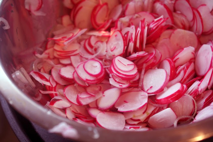 Quick Pickled Radishes | hardparade.blogspot.com