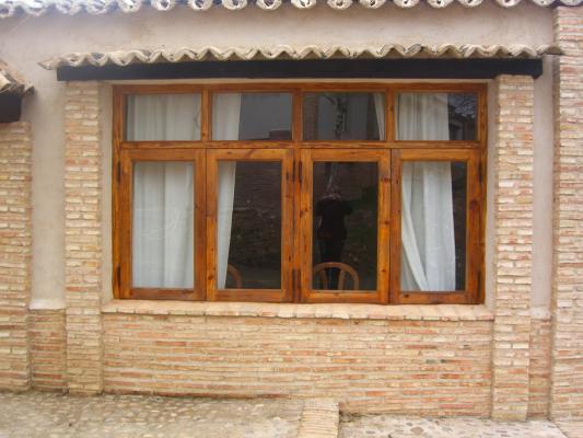 Montaje de ventanas de madera carpintero sevilla 665 - Carpinteros en sevilla ...