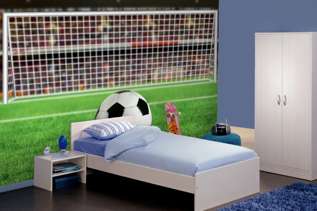 here are some popular for football bedroom decorating ideas there are many more bedroom decorating ideas that you can easily incorporate for awesome