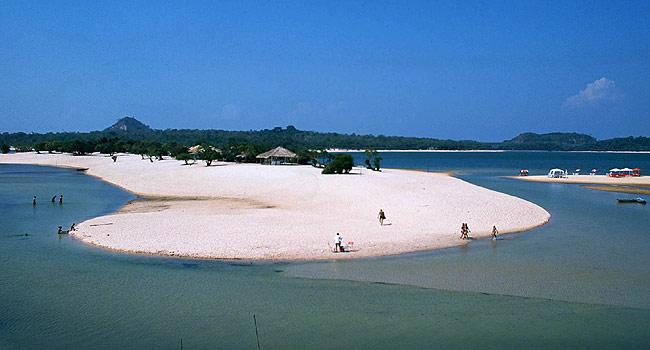 Vila Alter do Chão - belas praias de areias brancas