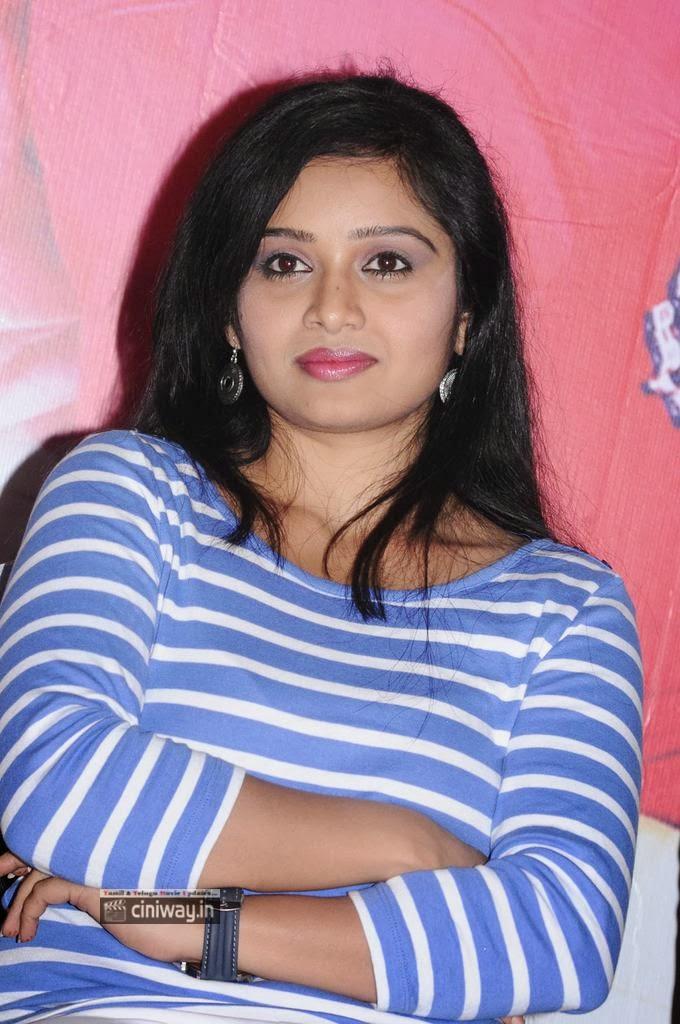 Advaitha-New-Photos-at-Snehavin-Kadhalargal-Press-Meet