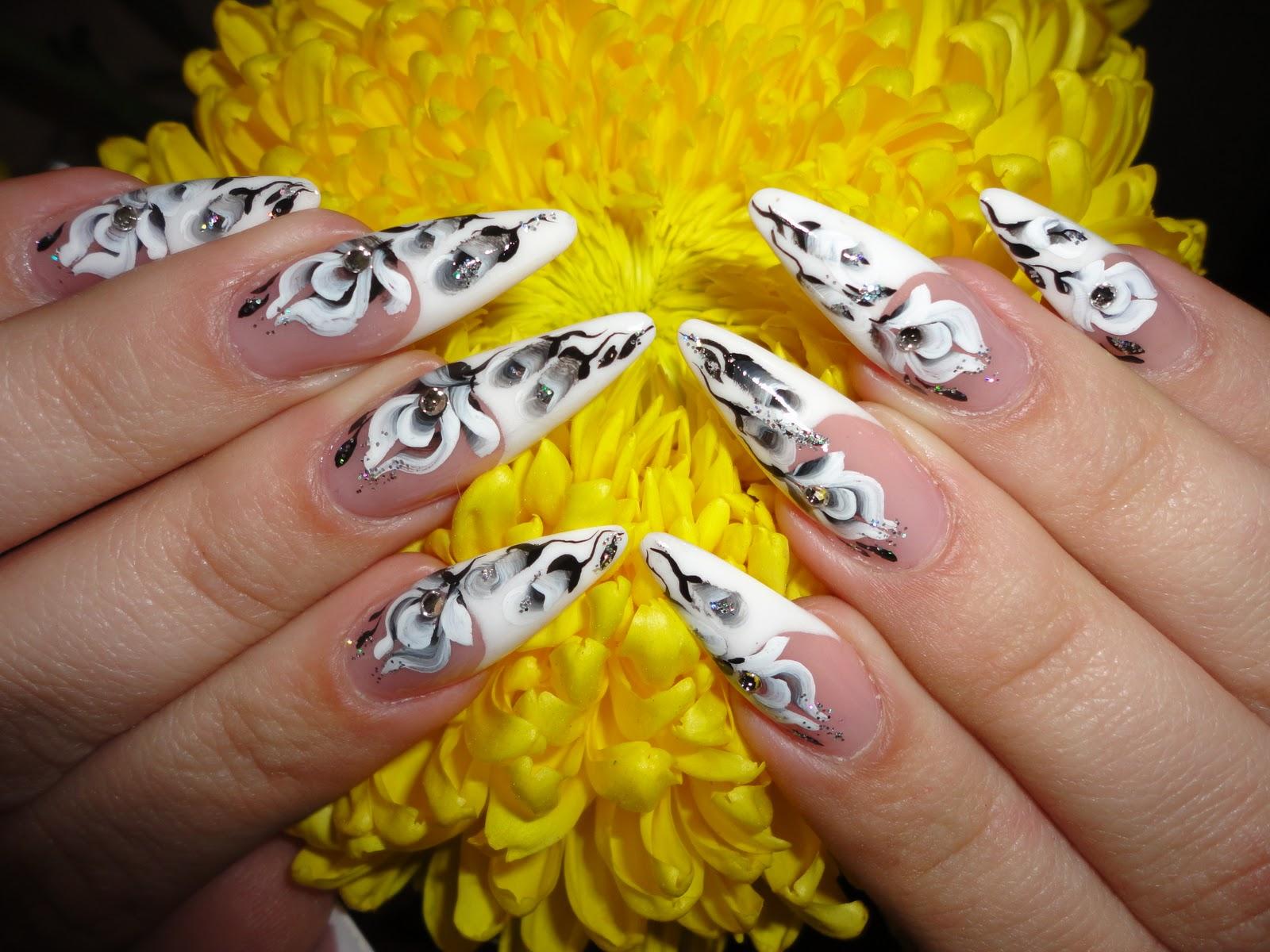 Рисунки на ногтях в домашних условиях 21 фотография