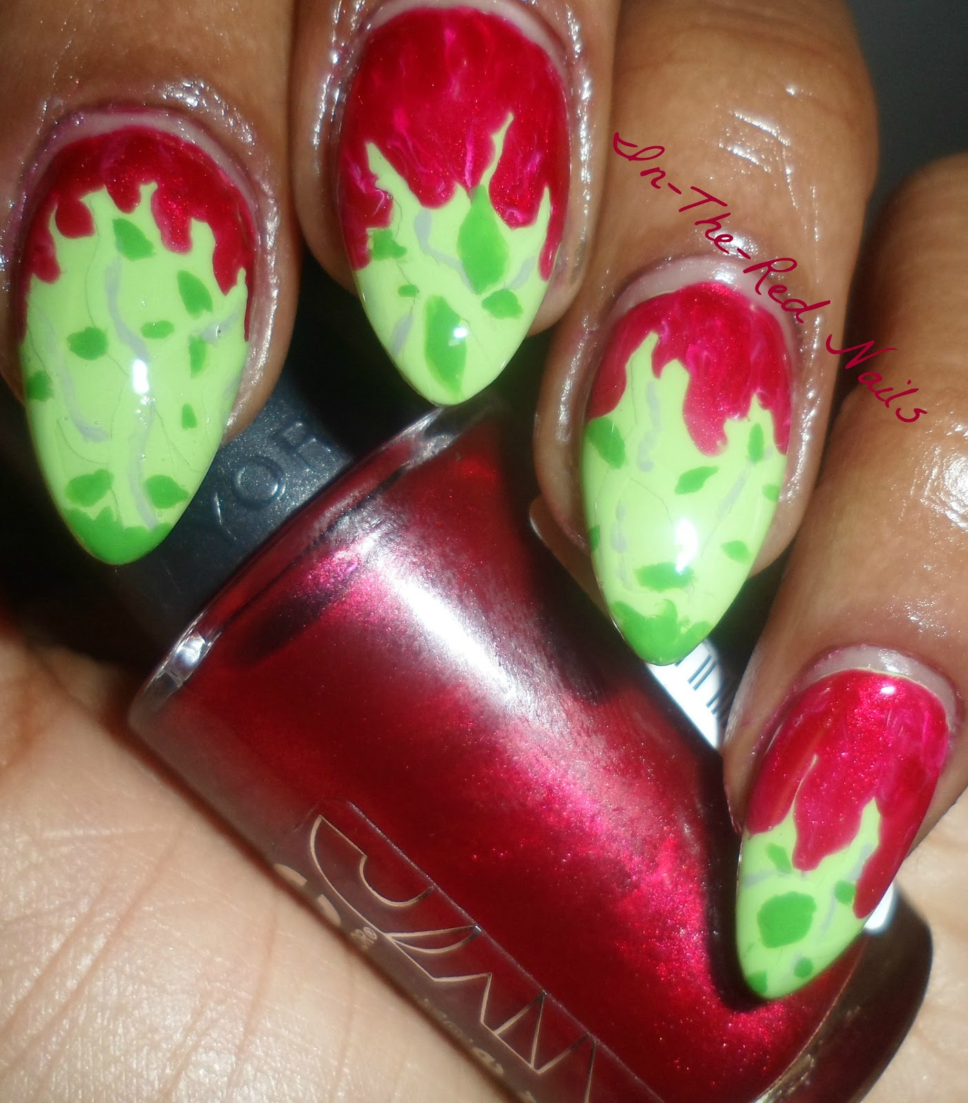 In-The-Red Nails: My Halloween Mani-Poison Ivy