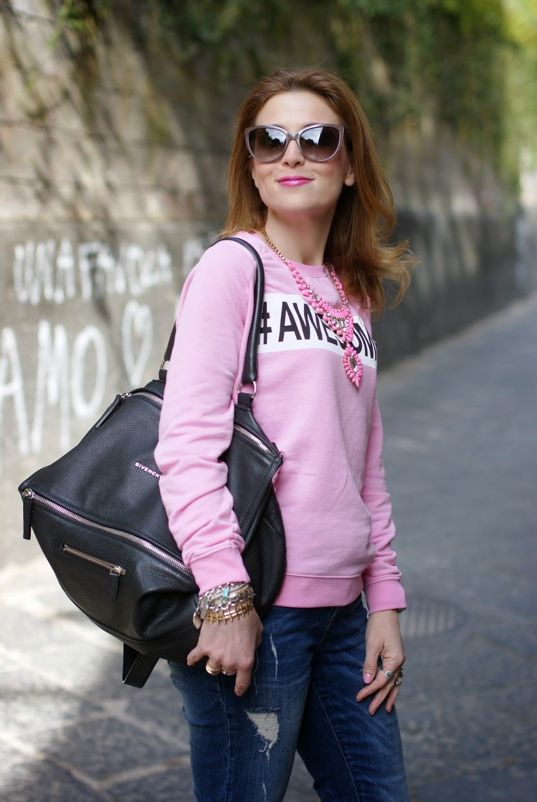 Awesome sweatshirt, Givenchy Pandora bag, Moschino sunglasses, Fashion and Cookies, fashion blogger