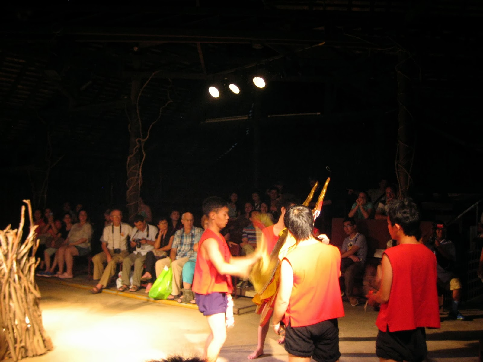 chiang-mai-cultural-center-hill-tribe