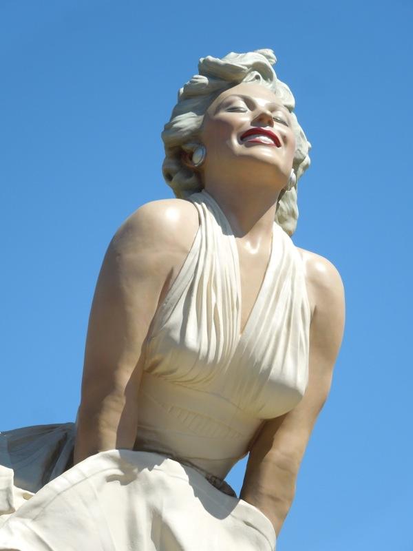 Giant Marilyn Monroe statue
