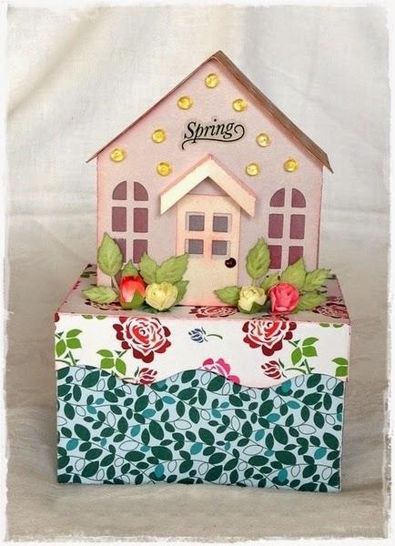 http://de.dawanda.com/product/59530855-Geschenkbox-Haeuschen