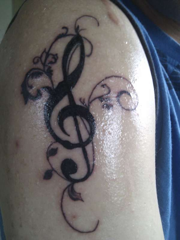 piano tattoo and musical note tattoos find a tattoo blog. Black Bedroom Furniture Sets. Home Design Ideas