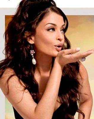 Cine Door - way to fun: aishwarya rai will have a boy baby or girl ...