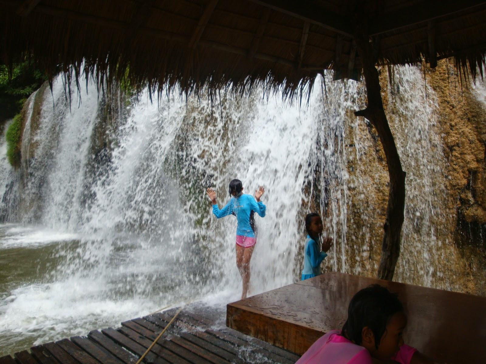 Foto cascate di Say Yok Yai