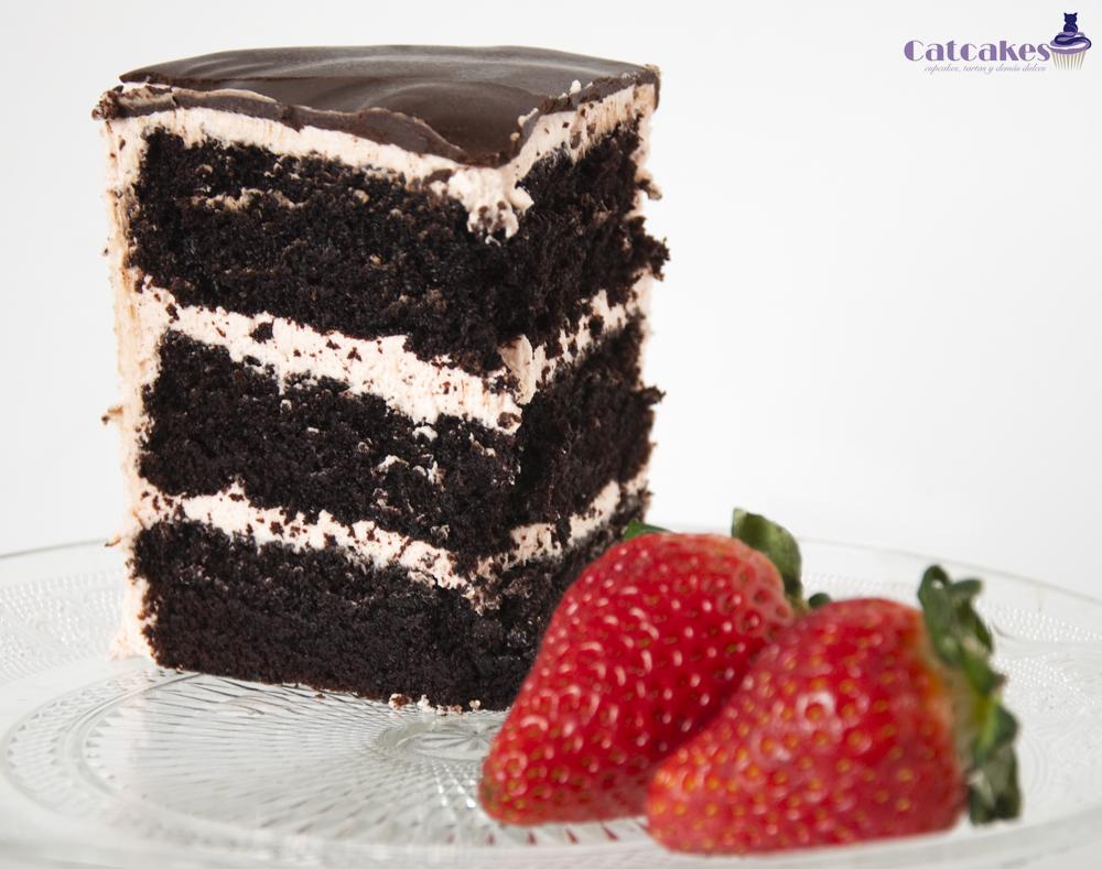 tarta de chocolate extremo con buttercream de fresas