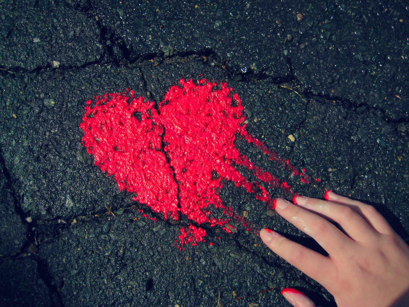 http://1.bp.blogspot.com/-5iwV18KS8TQ/TfadUq2B4pI/AAAAAAAAAGw/zciOVbtcMws/s1600/love.jpg