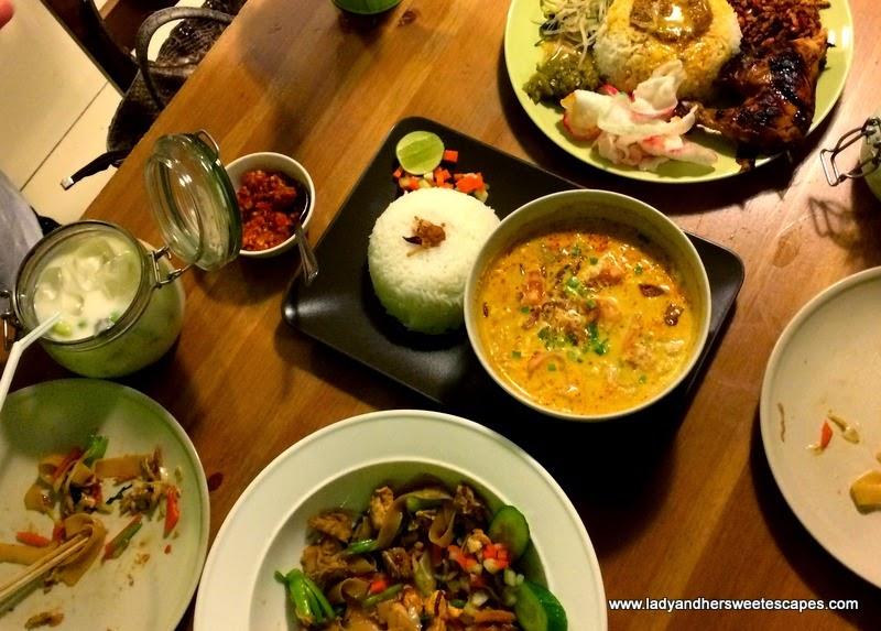 an Indonesian feast in Betawi Dubai