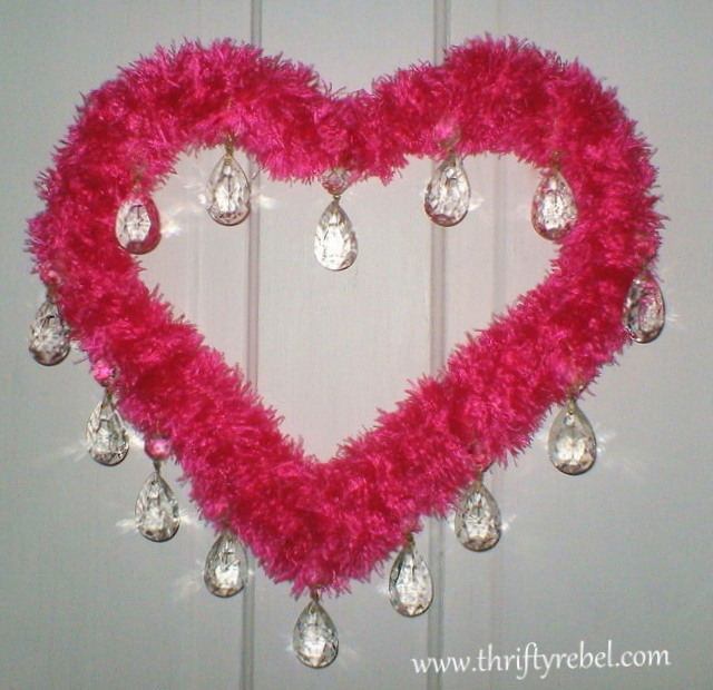 hot-pink-Valentine's-day-wreath