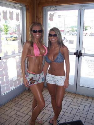 chicas sexys  bronceadas