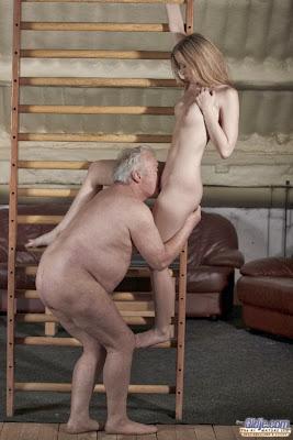 Sex với ông nội -
