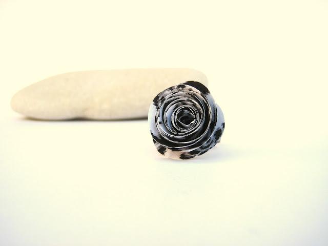 paper-flower-ring