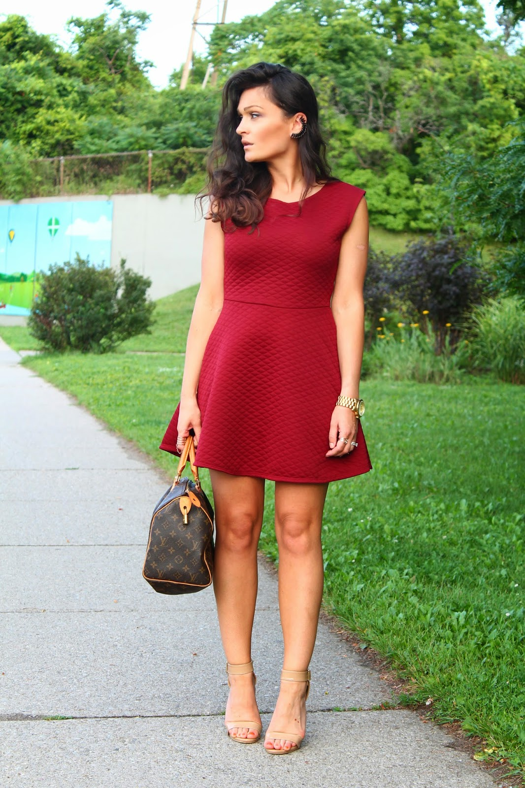 Maroon dress, burgundy dress, skater dress, maroon skater dress, summer  burgundy dress, how to wear a skater dress, blogerke, mini haljine, bordo haljina, nude sandals, louis vuitton speedy, canadian fashion blogger, Toronto street style