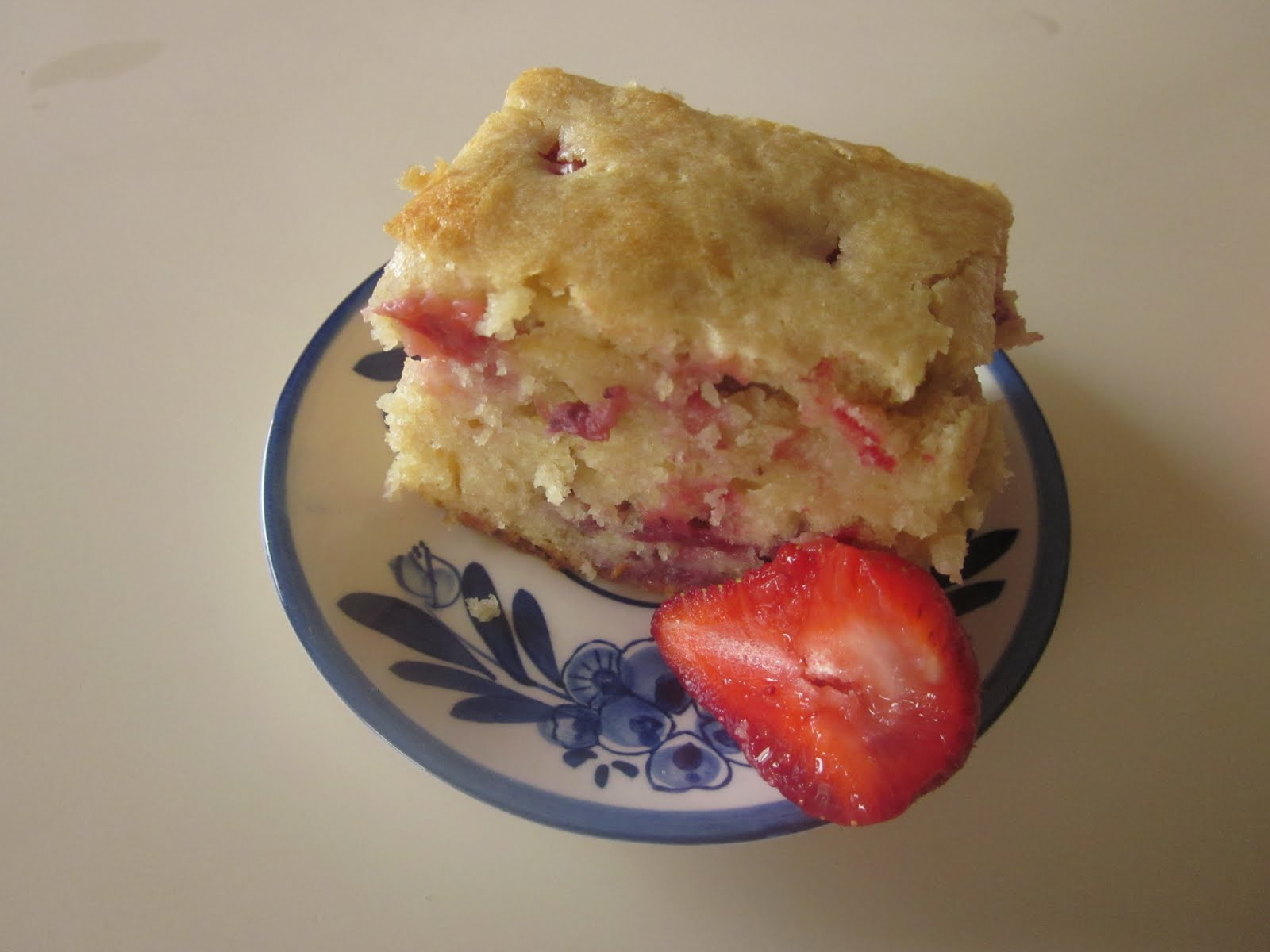 Fiddling thru Fiddlehead: Sour Cream-Strawberry Coffee Cake