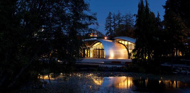 03-VanDusen-Botanical-Garden-visitantes-Centre-por-Perkins-Will