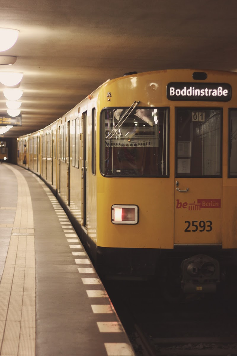 berlin metro u-bahn trains